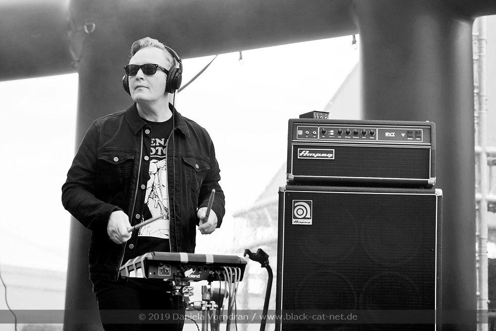 Tiny Magnetic Pets beim W-Festival am 17.08.2019 in der Expo Waregem (Belgien) - Olivier Daout Stage